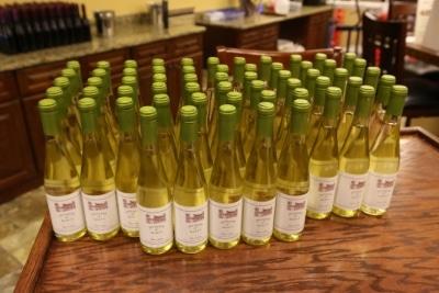 wine bottle wedding favors